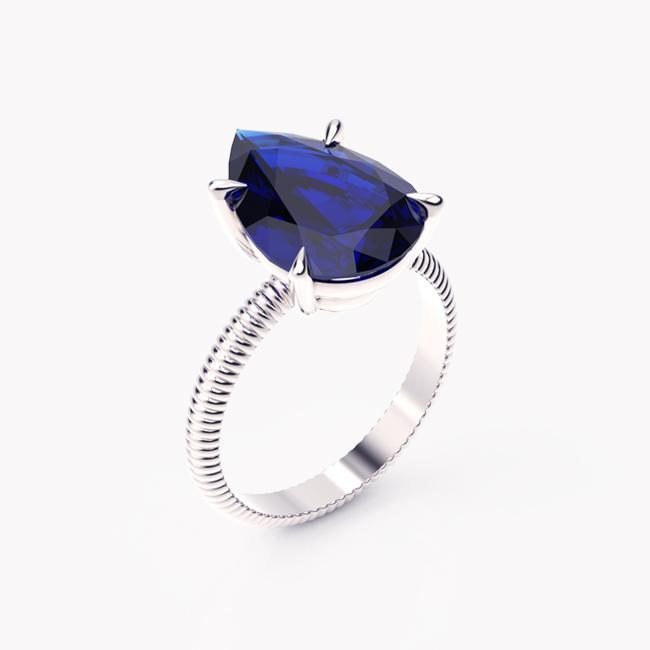 Pierścionek z niebieskim szafirem