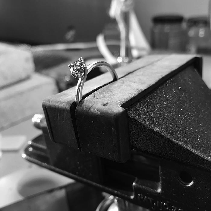 Pracownia jubilerska Niny Skidan - pierścionki, kolczyki, zawieszki